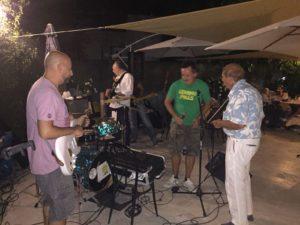 Lemon Pills a Roccamalatina - il signore con la camicia hawaiana